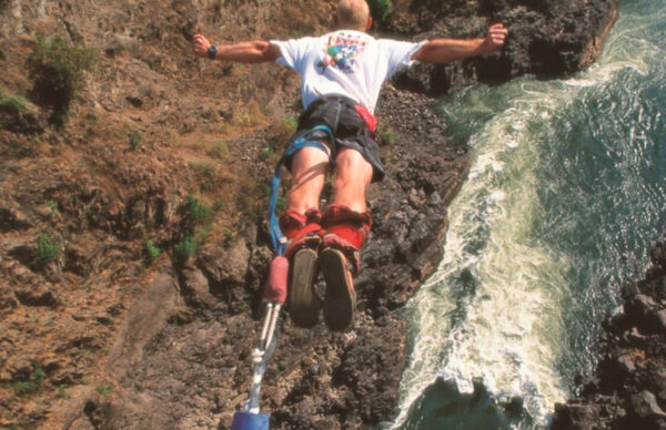 Bungee jump fra Victoria Falls Bridge