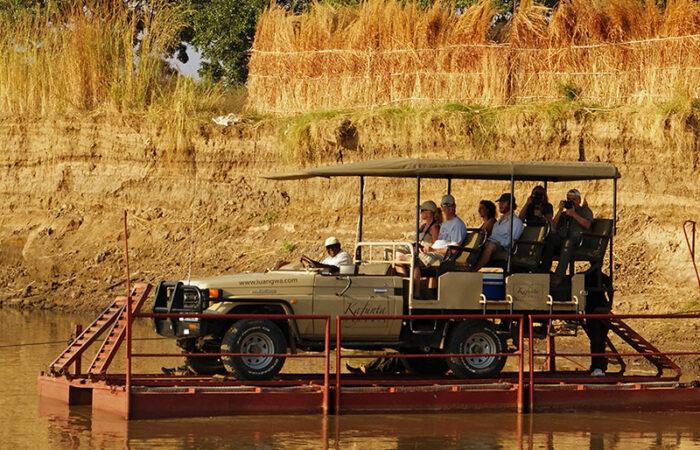 Transport over Luangwe-floden